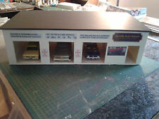 1/24 & 1/25 Scale 3 Bay Car Garage/Work Shop With Office Diorama ( BUILT )
