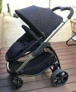 Icandy Strawberry 2 pushchair and carrycot bundle pre-owned