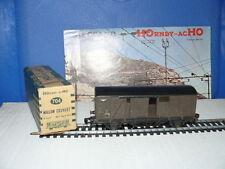 TRAIN ECHELLE HO  HORNBY  WAGON DE MARCHANDISES COUVERT  SNCF  échelle 1/87 ème