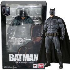 Bandai Tamashii S.H.Figuarts DC Comics Justice League Batman Action Figure