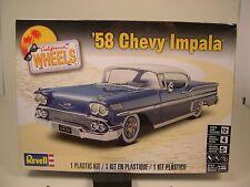 1958 CHEVROLET IMPALA 2 DOOR HARDTOP 1:25 SCALE REVELL PLASTIC MODEL CAR KIT