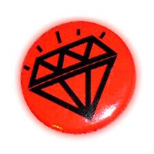 Badge DiAMoND TaTToO N /fond Rouge Red - diamant stylisé rockabilly button Ø25mm