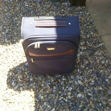 1 X SMALL SUITCASE/HAND LUGGAGE?? IN BLUE 13.5W X 19H IN INCHES./USED ITEM.