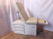 Midmark 204 Manual Medical Examination Table Chair In Good Condition S6184