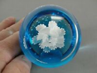 HAND BLOWN ART GLASS PAPERWEIGHT 🌷 BLUE WHITE FLOWER WINDOW CONTROLLED BUBBLES