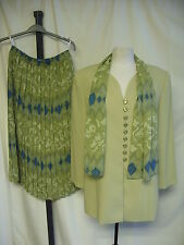 Ladies Skirt Suit Cavita, green with pattern, UK 16, pull-on skirt, scarf 7818