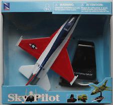 NewRay - F-16 Fighting Falcon Neu/OVP Flugzeug-Modell mit Logo