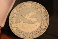 Hark the herald angels sing--Songs of Christmas 8 3/4 in commerative plate-1976
