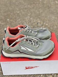 Altra Lone Peak 5 Women's Size 8.5 B Khaki Trail Running Shoe