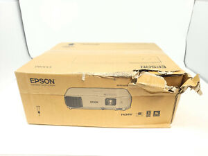 EPSON EX3280 3LCD 3Chip Projector - New damaged box