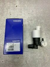 VOLVO NEW AND GENUINE WASHER PUMP    31253220