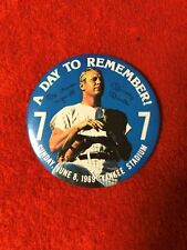 """1969 MICKEY MANTLE LARGE PIN  """"A DAY TO REMEMBER"""" NEW YORK YANKEES"""
