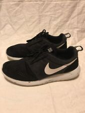 nike roshe run size 10