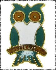 Vintage Enamel Realistic Owl Button