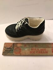 Jtrs Just The Right Shoe # 25035. Sneaking By. 1999. Miniature shoe.