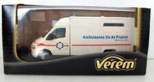 Ambulances miniatures Verem