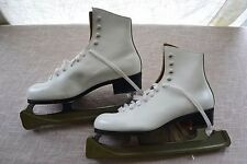 Riedell Womens Ice skates- Size 6, White - Includes Blade Protector Vintage