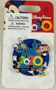 Disney Parks 2020 3D Spinner Pin Mickey Mouse & Friends Goofy Donald Minnie