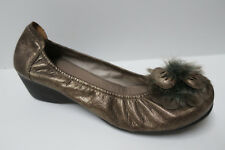 ENEKA (SABRINA) Bronze Pumps Low Wedge Heel Fur Flower 39/8-8.5 made in SPAIN
