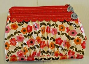 VERA BRADLEY FRILL Quilted Roses Floral Vinyl Walled Retired
