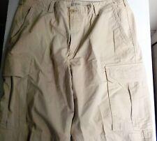 BANANA REPUBLIC Relaxed Fit Beige Cargo Shorts SZ 38100% Cotton