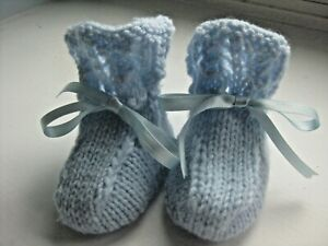 LOVELY HAND KNITTED BABY BOOTIES in BLUE - SIZE 0-3 MONTHS (6)