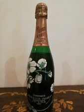 Champagne perrier jouet Epernay France 1983 special reserve