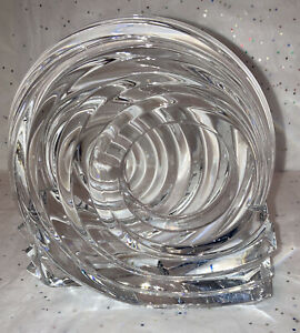 Clear Class Candle Holder With Swirl Accent Heavy Table Model