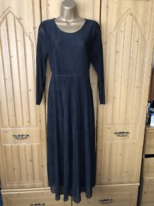 BNWOTS. & OTHER STORIES. SIZE 12/40. LADIES BLACK TINY PLEATED FIT & FLARE DRESS