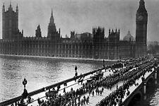 New 5x7 World War I Photo: American Troops Cross Westminster Bridge in London