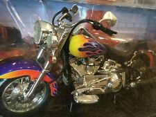 HOT WHEELS HARLEY-DAVIDSON SOFTAIL 1:10 SCALE  flames on Motorcycle