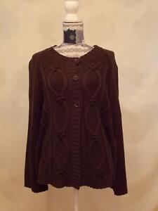 Bm Cardigan Fastened with three buttons size L     Long Sleeve Round Neck Brown
