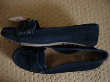 MANTARAY NAVY BLUE SUEDE LEATHER LOAFERS SHOES. UK 7, EUR 40, US 9. BNWT LOVELY