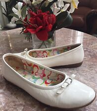 Coach A2268 Crystal Crinkle Ivory White Patent Leather Bow Ballet Flats 10 M EUC
