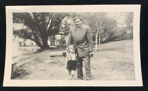 August 1948 Babe Ruth w/ child B&W Snapshot Photo - 5 Days Before His Death