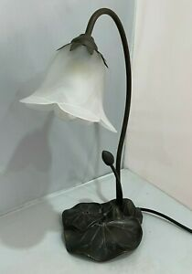 Art Deco Lily & Lily Pad Bronzed Table Desk Lamp with Glass Shade in EX COND.