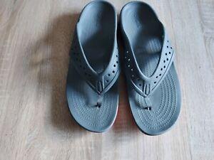 Mens crocs flip flops