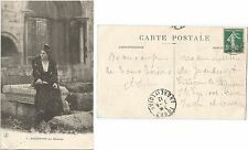 CPA 1912 postcard costume ARLES ARLESIENNE aux Aliscamps Alyscamps 13 [2055 R]
