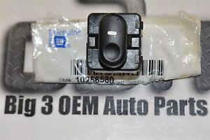 Buick 1997-2004 Regal 1997-2005 Century Window Switch RH Side new OEM 10256580