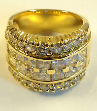 Sophisticated Ladies Fashion Ring, 17x Cubic Zirconia, 20x Swarovski stones, NEW