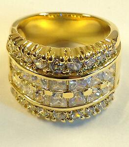 Sophisticated Ladies Fashion Ring, 17x Cubic Zirconia, 20x Swarovski stones, NEW
