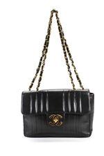 Chanel mujer Cordero Cuero Bolso Acolchado Media Solapa Vertical Negro 14H1IK4011