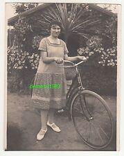 Foto junge Dame mit Fahrrad um 1920 ! (F676