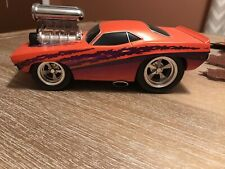 1970 Plymouth Cuda Muscle Machines 1:18 Scale Die Cast Orange
