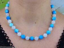 Halsketten und Anhänger aus Edelsteinen mit Jade gefärbte