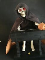 """VTG Reaper Lighted Halloween Skeleton Playing piano And Laughing 13"""" Tall Gemmy"""