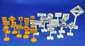 Plasticville #1405 - Railroad & Street Signs - Complete - No box