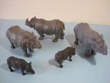 Britains Plastic Zoo Animals: Rhinocéros troupeau Adulte & Bébé Rhino joué avec