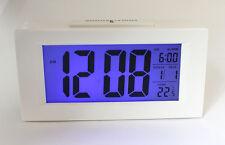 Digitaluhr Wecker Digitalwecker Reisewecker Tischuhr mit Nachtsensor (Uhr820W)