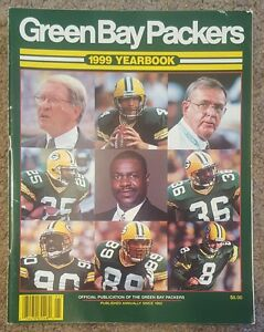 1999 GREEN BAY PACKERS YEARBOOK MAGAZINE FAVRE CHUMRA LEVENS HASSELBECK FREEMAN
